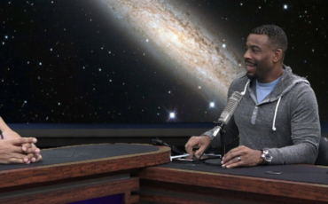 In-studio-for-22Lets-Make-America-Smart-Again22-with-Neil-deGrasse-Tyson-Chuck-Nice-and-Fareed-ZakariaCreditBen-Ratner-1400×427